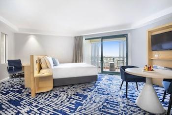 Suite, 1 King Bed, Balcony, Ocean View
