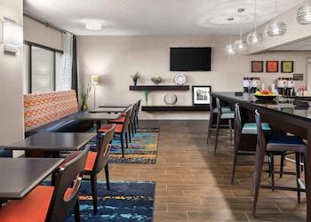 Hotel - Hampton Inn Austin North @ I - 35 & Hwy 183