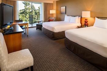 Premium Room, 2 Queen Beds, Balcony, Mountain View