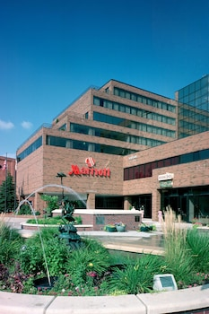 Marriott East Lansing at University Place photo