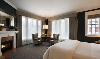 Premier Room, 1 King Bed, Corner