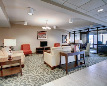 Moss Point Vacations - Comfort Inn Moss Point - Property Image 1