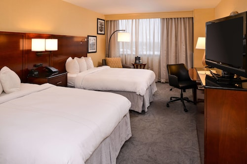 . Buffalo Marriott Niagara