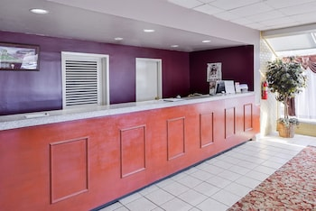 Americas Best Value Inn & Suites-Starkville photo