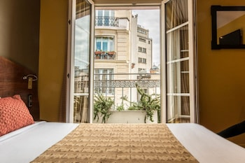 Classic Double Room, Balcony, Moulin Rouge view