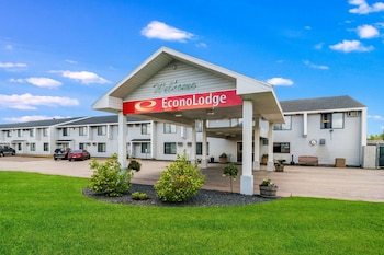 Hotel - Econo Lodge Near Miller Hill Mall
