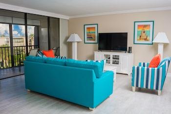 Luxury Condo, 2 Bedrooms (Island Residence)