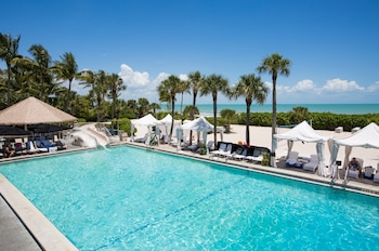 Hotel - Sundial Beach Resort & Spa