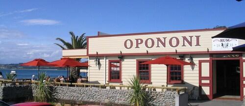 . Opononi Resort