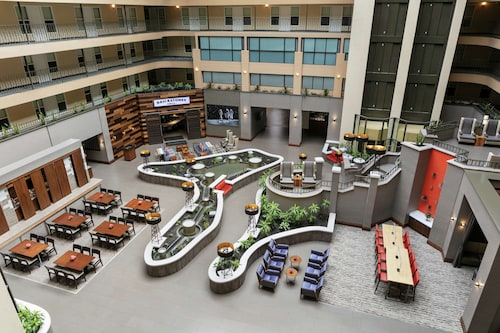. Embassy Suites by Hilton, Los Angeles - Downey