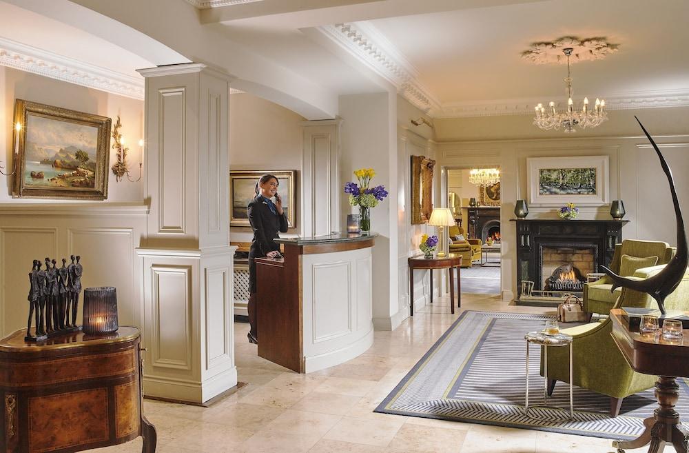 https://i.travelapi.com/hotels/1000000/10000/2000/1991/5373667c_z.jpg