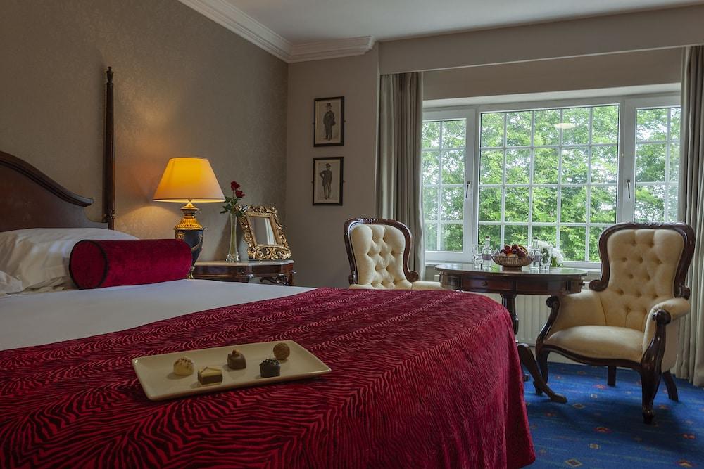 https://i.travelapi.com/hotels/1000000/10000/2000/1991/5a42dec2_z.jpg