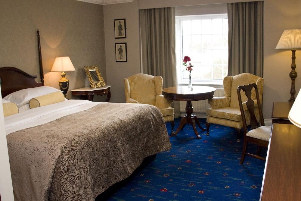 https://i.travelapi.com/hotels/1000000/10000/2000/1991/b68be711_z.jpg