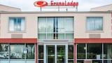 Elmira Hotels
