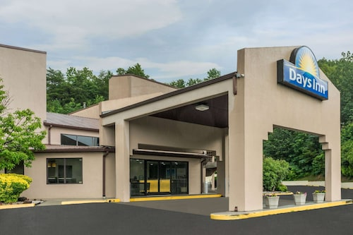 . Days Inn by Wyndham Chattanooga Lookout Mountain West
