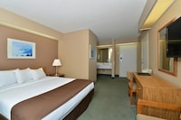 Suite, 1 Queen Bed, Non Smoking (Mt. Grinnell)