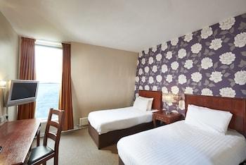 Hotel - Corus St James Hotel
