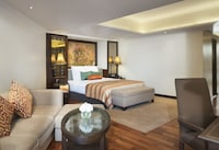 Junior River View Suite with Kasara Executive Lounge