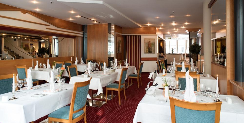루이트폴트파크-호텔(Luitpoldpark-Hotel) Hotel Image 12 - Restaurant