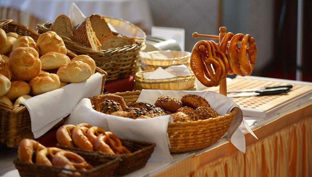 루이트폴트파크-호텔(Luitpoldpark-Hotel) Hotel Image 14 - Breakfast buffet
