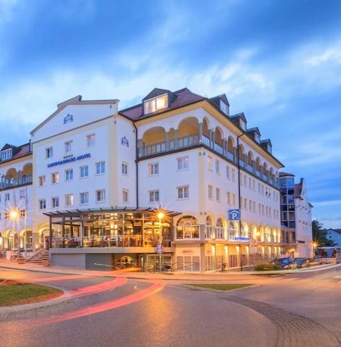 __{offers.Best_flights}__ Luitpoldpark-Hotel