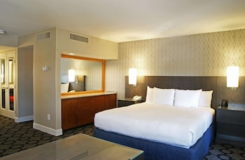 Room, 1 King Bed with Sofa bed, Pool View (Alcove)