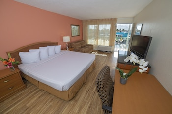 Cabanas 1 King Bed, Non Smoking, Poolside