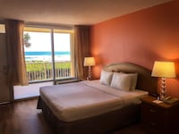 Standard Room, 1 King Bed, Non Smoking, Oceanfront