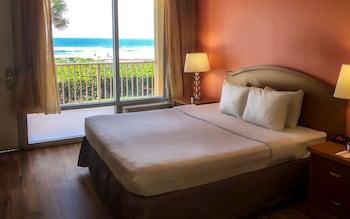 Standard Room, 1 King Bed, Non Smoking, Oceanfront