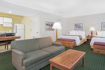 Executive Penthouse, 2 Queen Beds, Non Smoking (Penthouse Suite)
