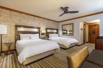 Room, 2 Queen Beds, Mountain View