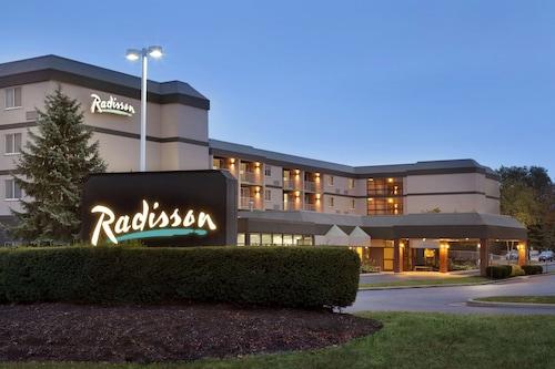 . Radisson Hotel Akron/Fairlawn