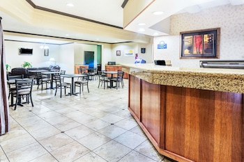 Days Inn & Suites by Wyndham Vancouver photo