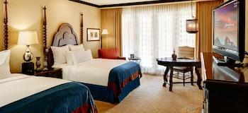 Room, 2 Queen Beds (Camel Back View Room)