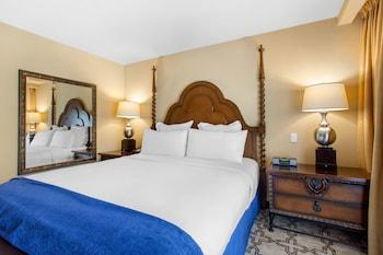 Room, 2 Queen Beds (Oasis Poolside Room)