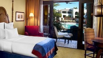 1 King Bed, Poolside Room