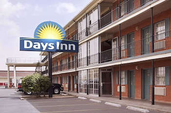 Days Inn Lubbock- Texas Tech University- 4th Street photo