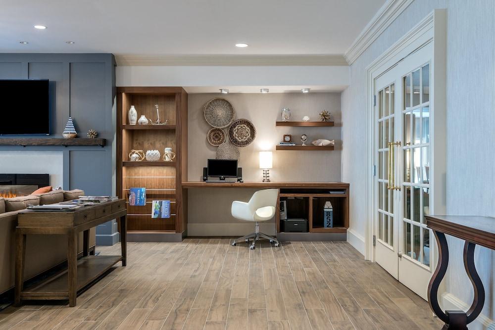 https://i.travelapi.com/hotels/1000000/10000/2300/2282/0d5d1046_z.jpg