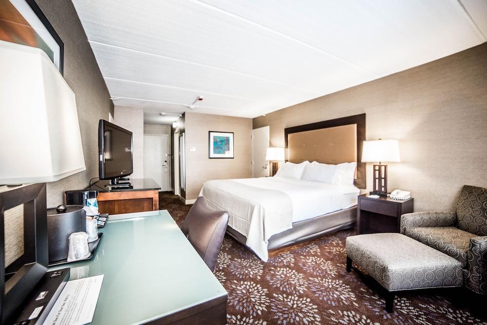 https://i.travelapi.com/hotels/1000000/10000/2300/2282/17b57793_z.jpg