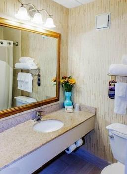 https://i.travelapi.com/hotels/1000000/10000/2300/2282/b2762e10_b.jpg