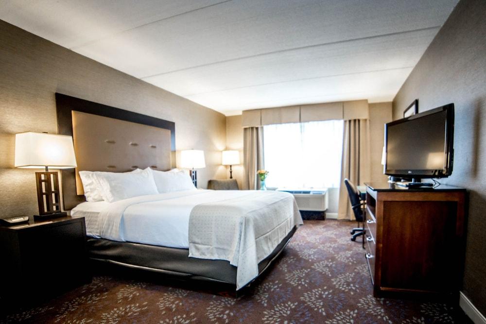 https://i.travelapi.com/hotels/1000000/10000/2300/2282/c7c58974_z.jpg