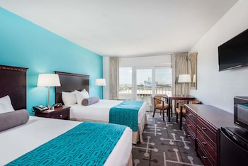 Room, 2 Double Beds, Non Smoking (Partial Oceanfront View)