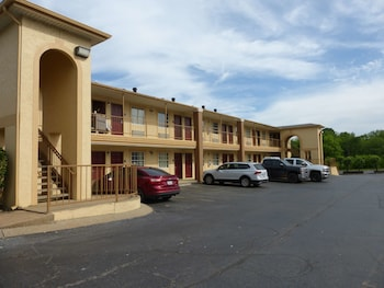Red Roof Inn Columbia, TN