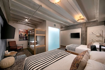 Superior Room, Multiple Beds, City View