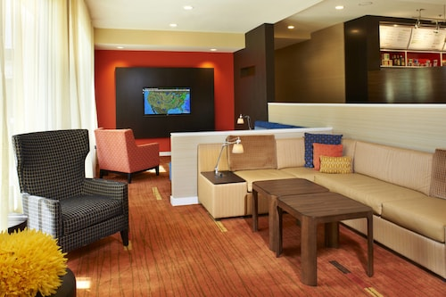 . Courtyard by Marriott Chicago Lincolnshire