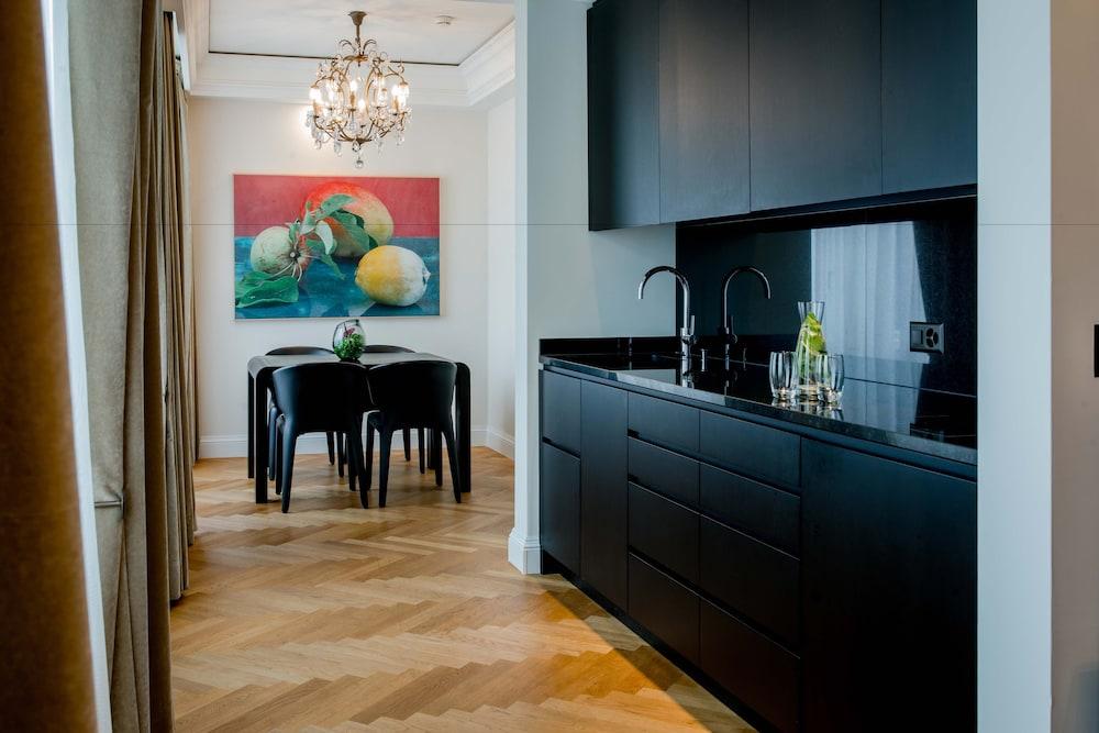 호텔 슈바이처호브 베른 & 더 스파(Hotel Schweizerhof Bern & THE SPA) Hotel Image 11 - Guestroom