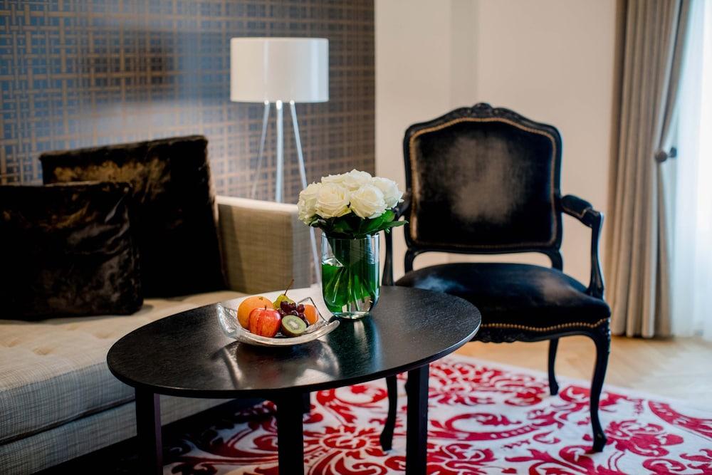 호텔 슈바이처호브 베른 & 더 스파(Hotel Schweizerhof Bern & THE SPA) Hotel Image 14 - Guestroom