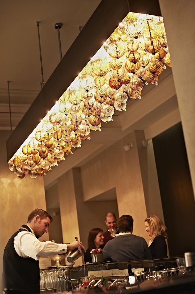 호텔 슈바이처호브 베른 & 더 스파(Hotel Schweizerhof Bern & THE SPA) Hotel Image 79 - Hotel Bar