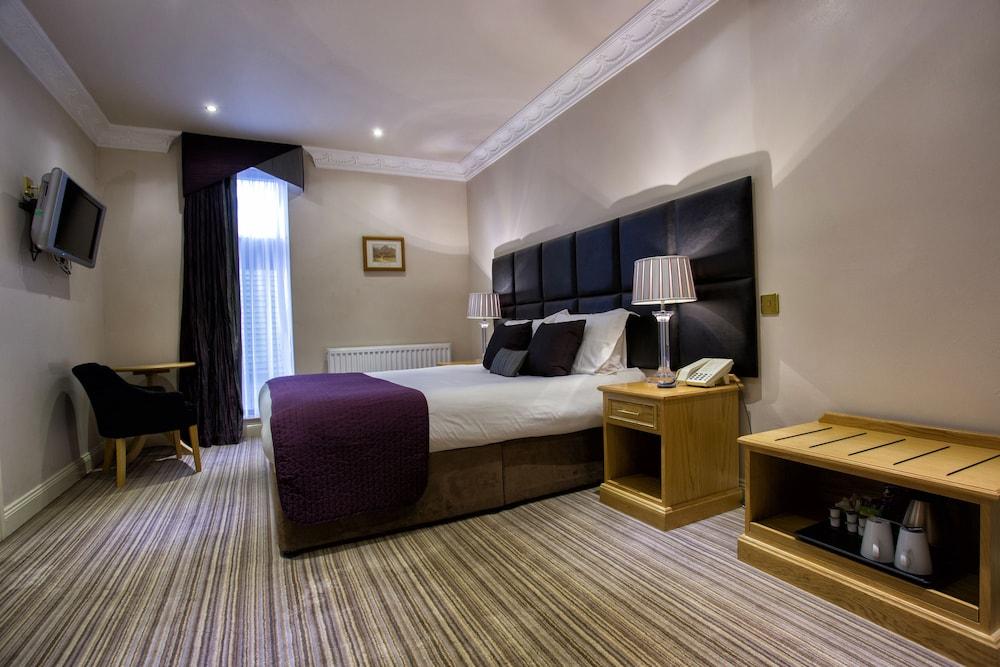 Waterton Park Hotel, Wakefield