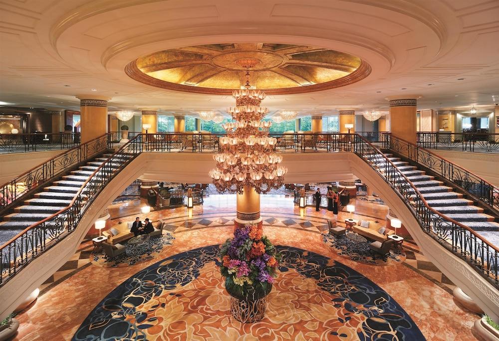 マカティ シャングリラ ホテル、マニラ